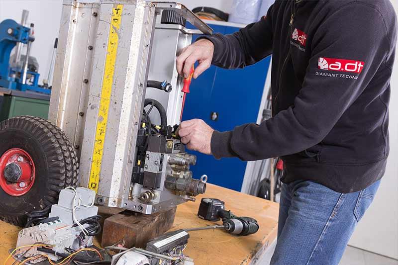 Repair of a hydraulic unit